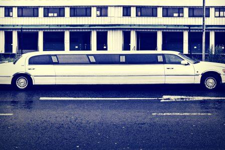 En limousine til kontoret